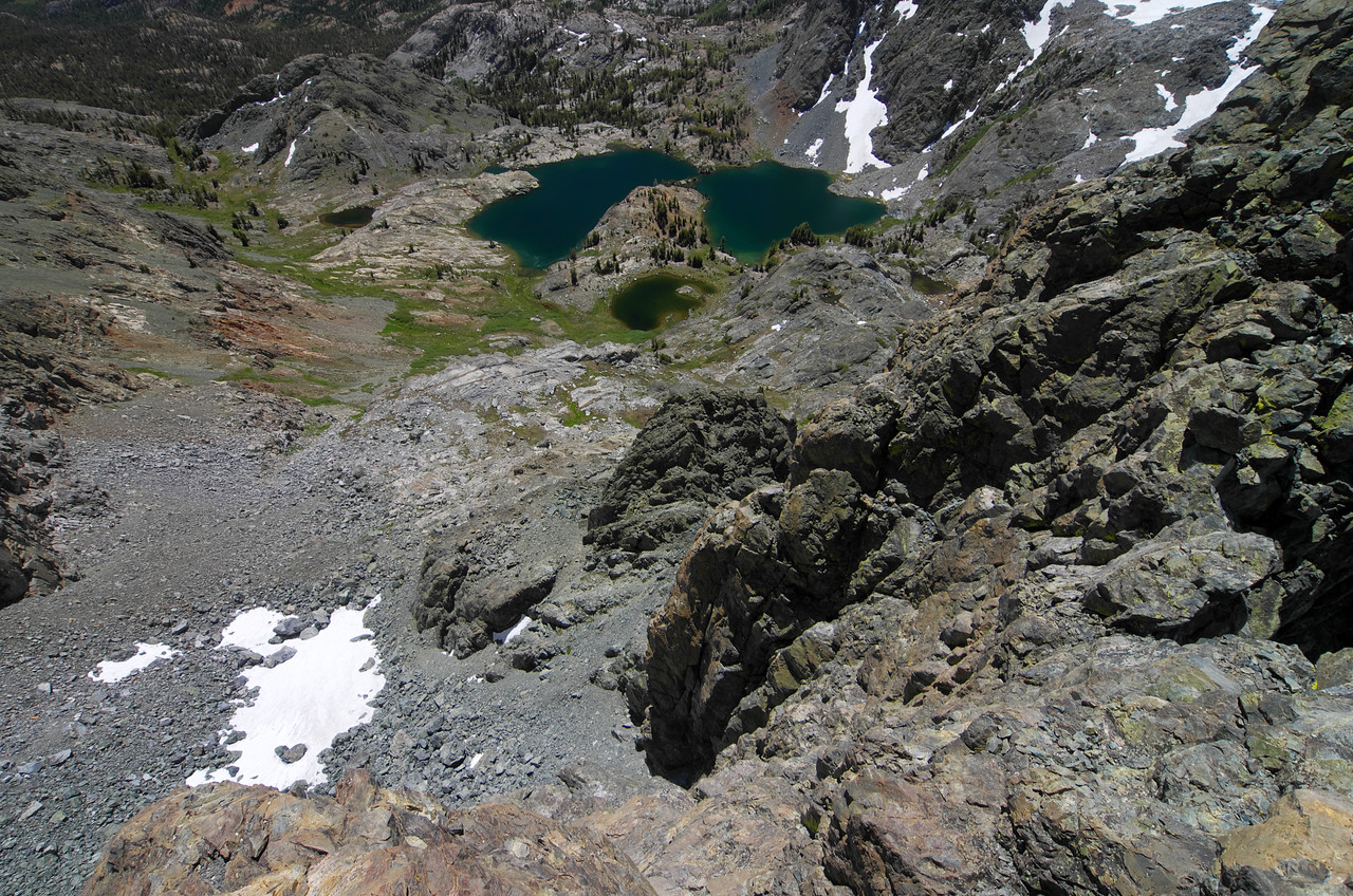 A very steep look down at Minaret Lake from my vantage point atop of Volcanic Ridge.