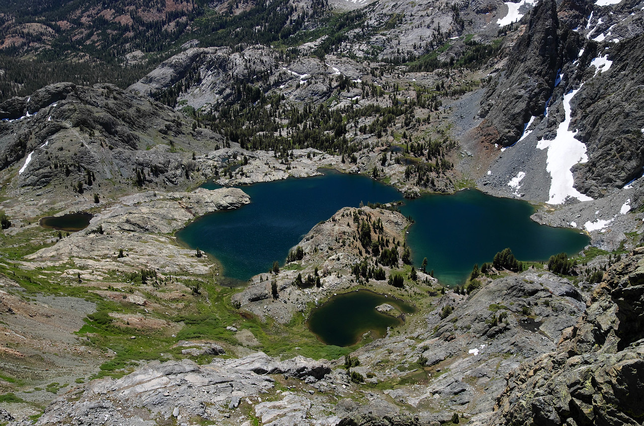 My 2nd-lowest handle view atop of Volcanic Ridge is around 11,200ft.  Minaret Lake as seen down below from my vantage point, sits at 9,797ft.