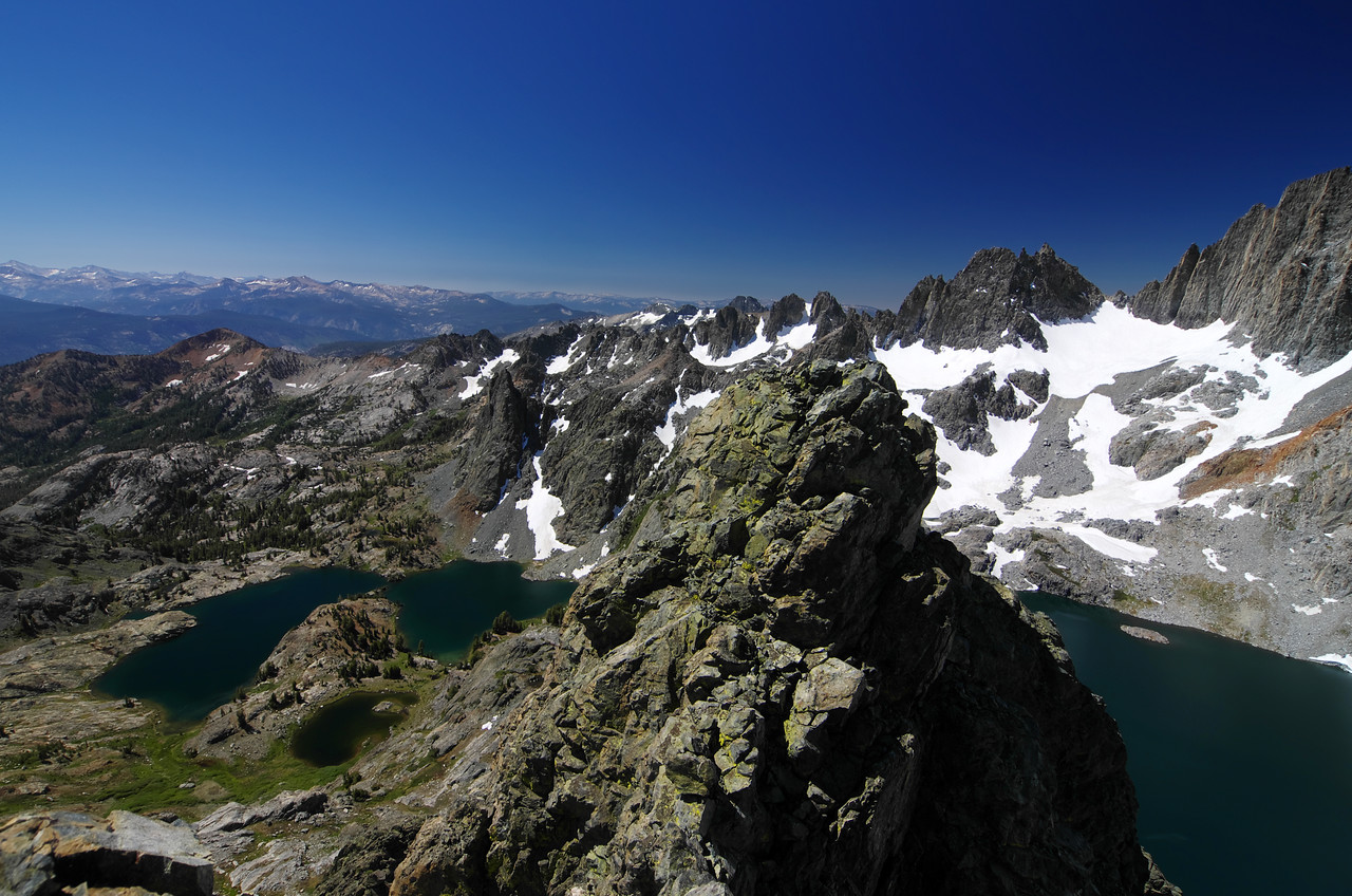 Well, I didn't get the lowest handle as seen in the middle of this picture, but I definitely have a more unobstructed view of Cecil Lake can actually see Minaret Lake, which is something that the near-true-summit view of Volcanic Ridge didn't offer me in June of 2002.