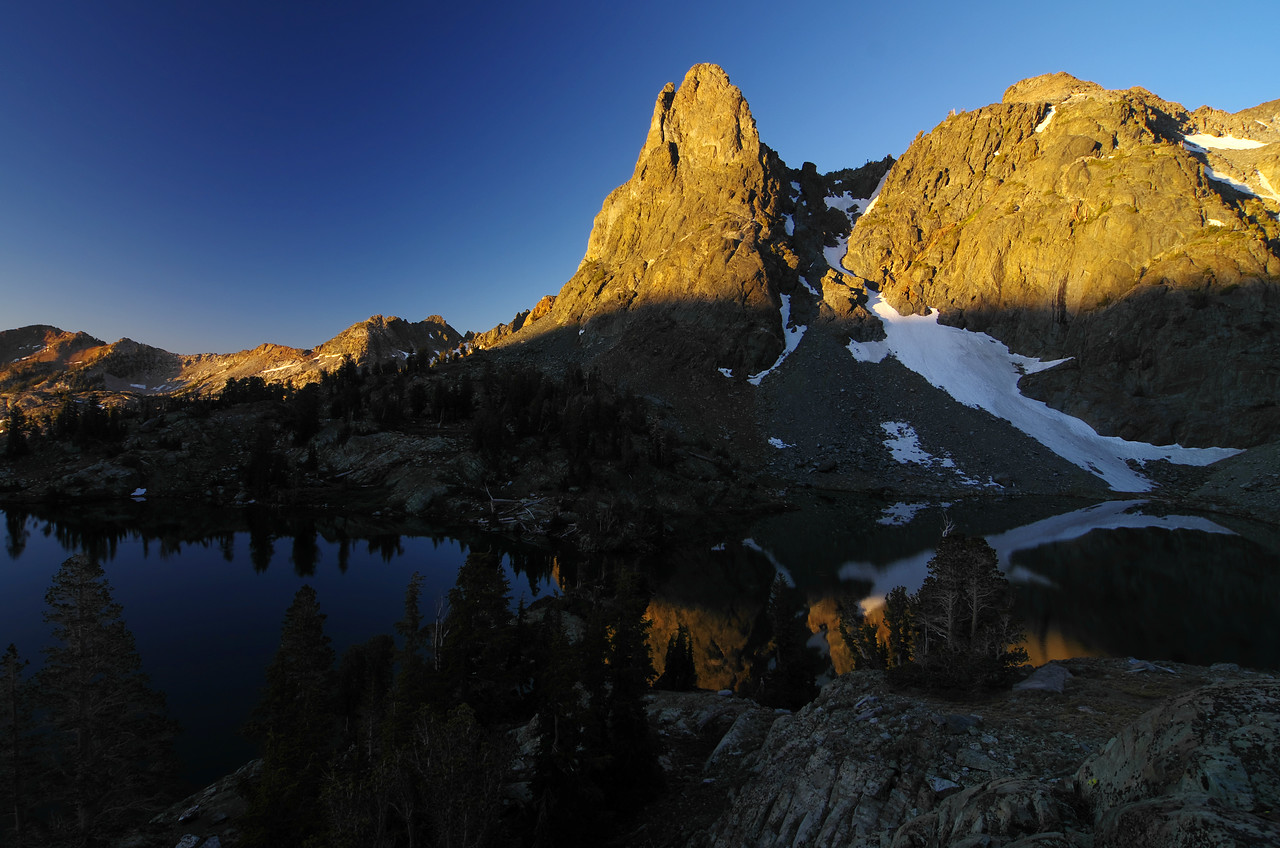 Minaret Lake, 1-minute after 6 am.