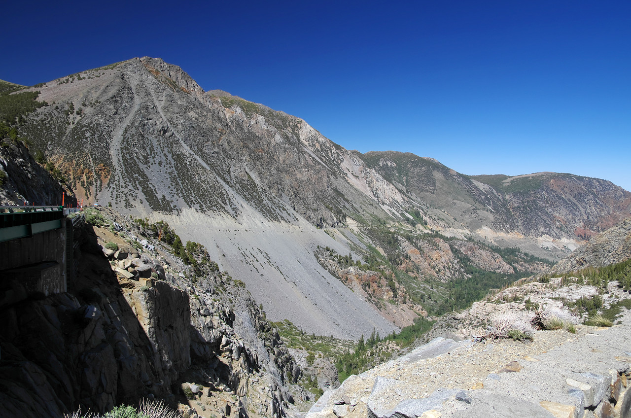 The steep grade of Tioga Rd leading up to the park from 395 is evident from this picture.