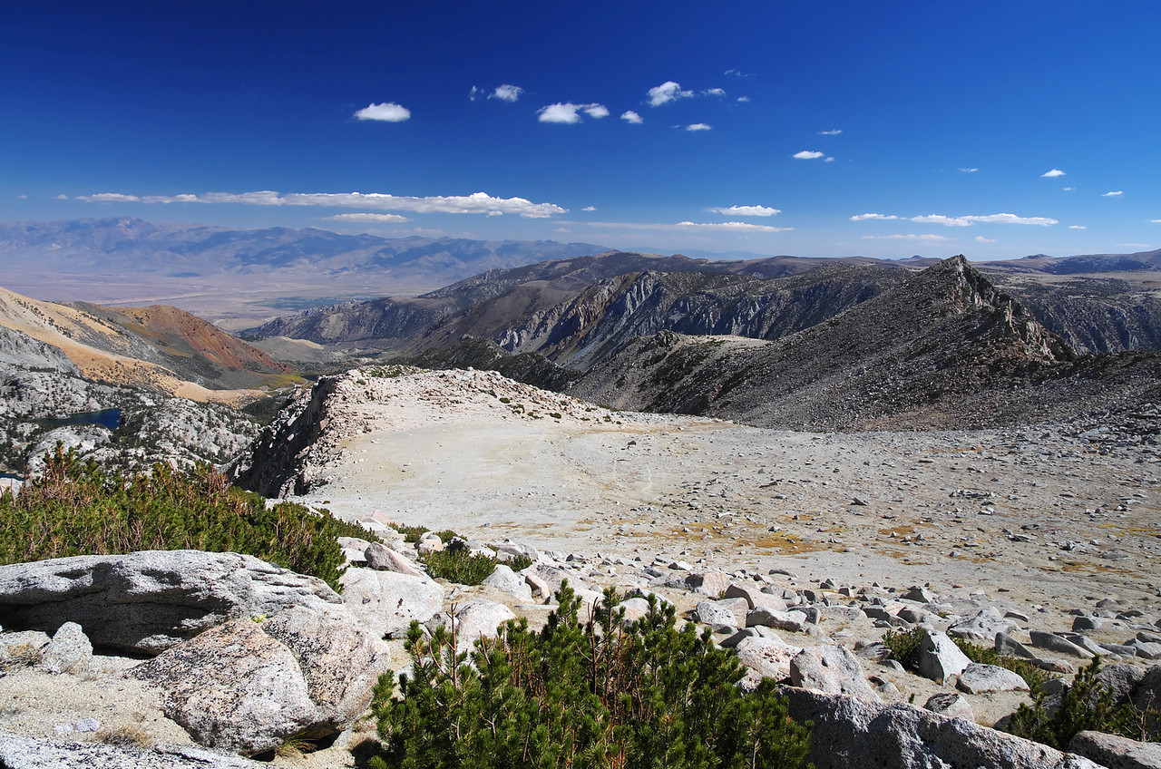 A view looking towards the city of Bishop from the Lamarck Col trail around 12,000ft.