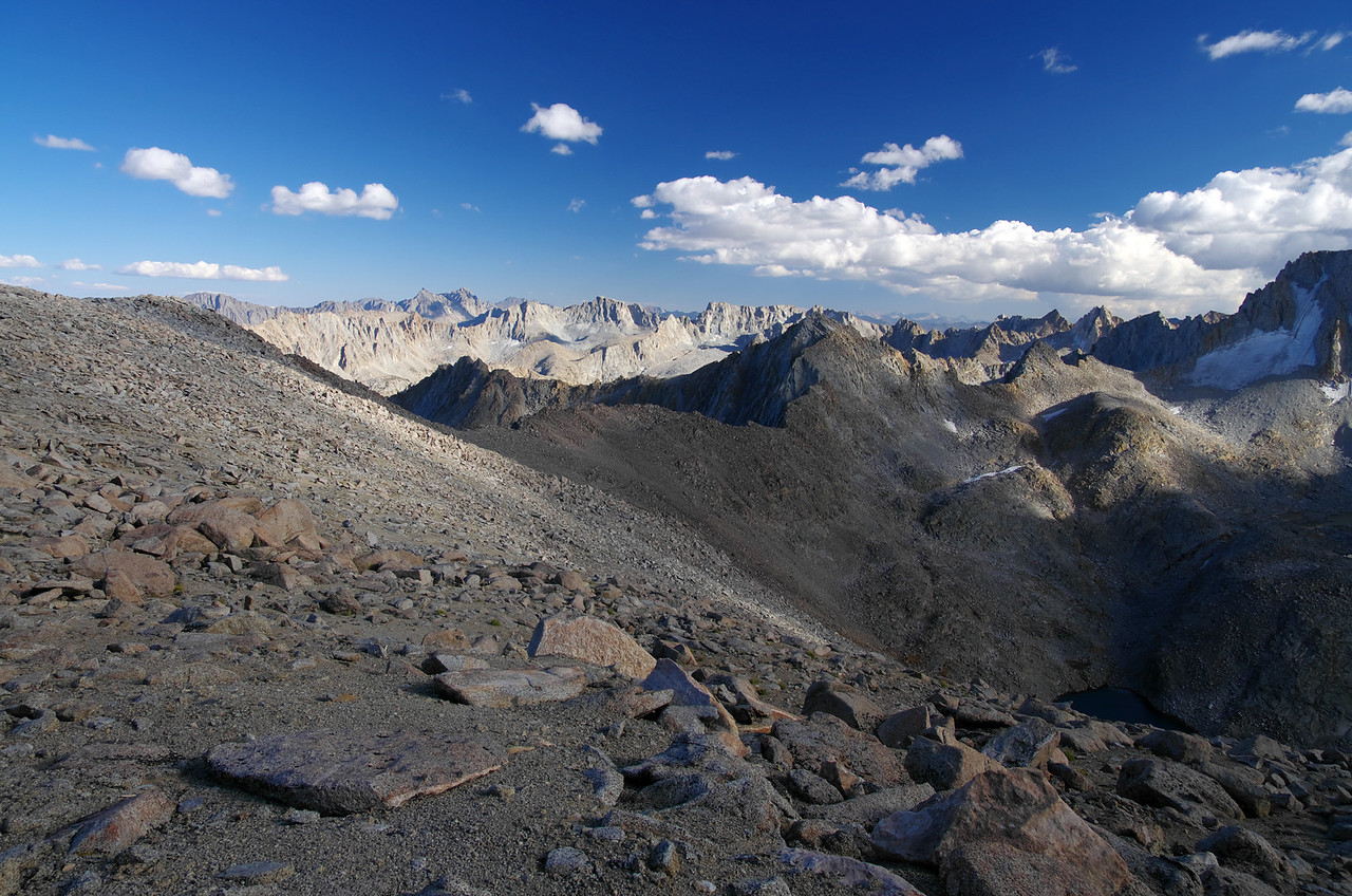 Looking south across the terrain that descends into Darwin Canyon from Lamarck Col.