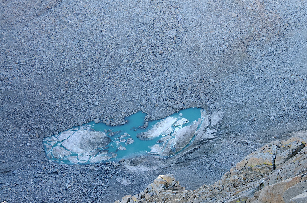 A stubbornly icy lake at the base of Mount Lamarck.