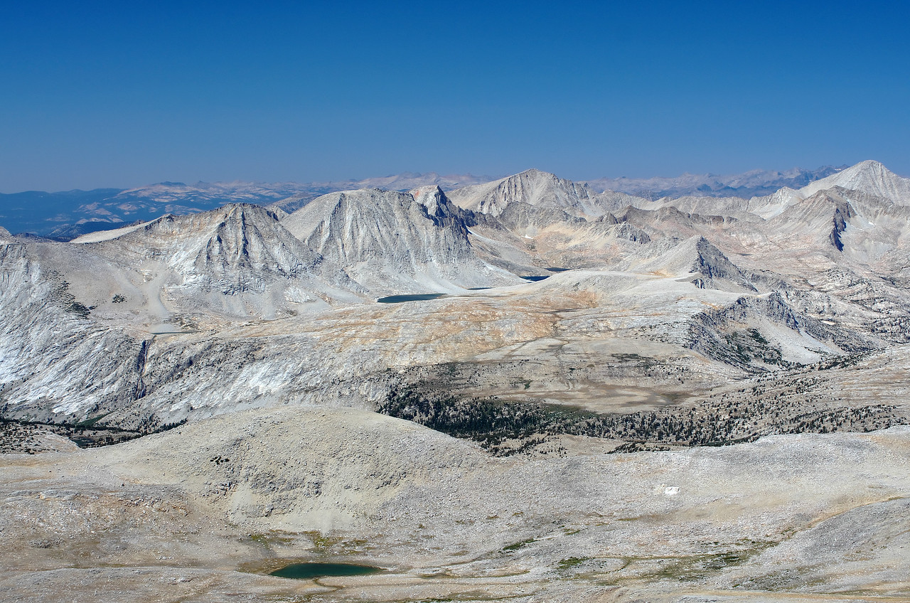 From left to right; Merriam Peak, Feather Peak, Royce Peak, and Mount Hilgard, as seen from the summit of Mount Humphreys.