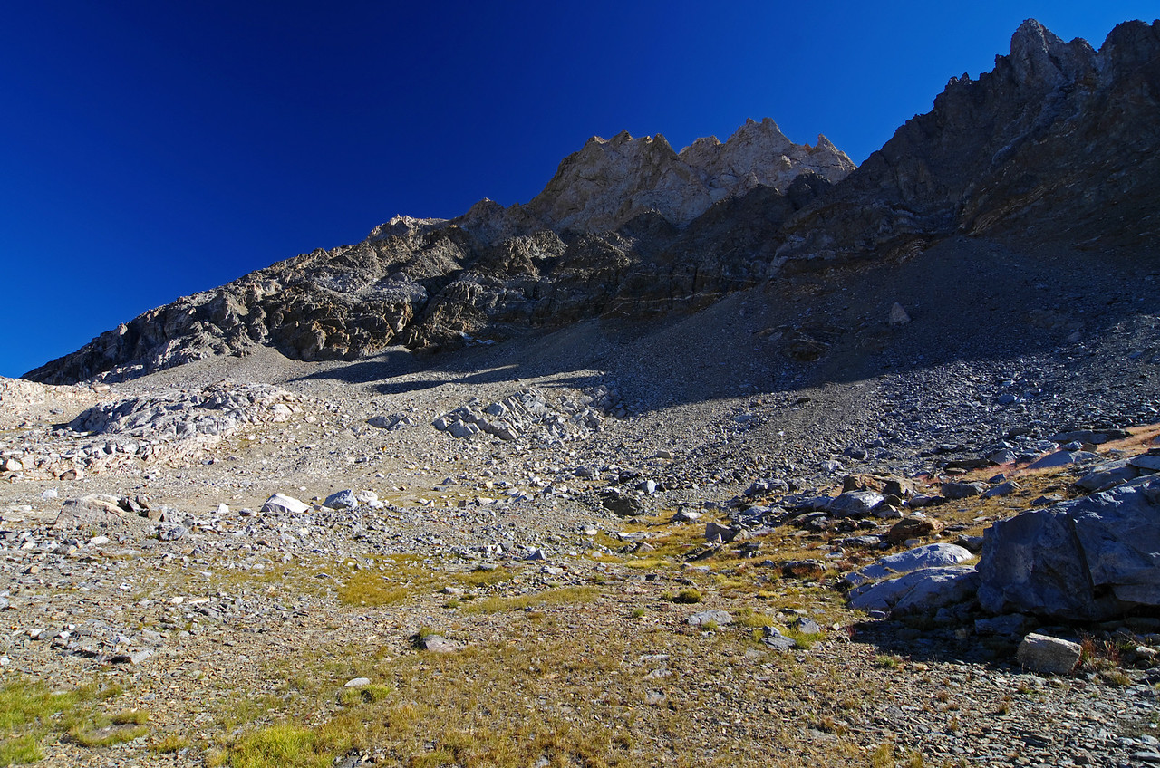 One final last look up towards Mount Humphreys from the highest lake in the Humphreys Basin, as I begin to head up the Mountain, 9:08am.