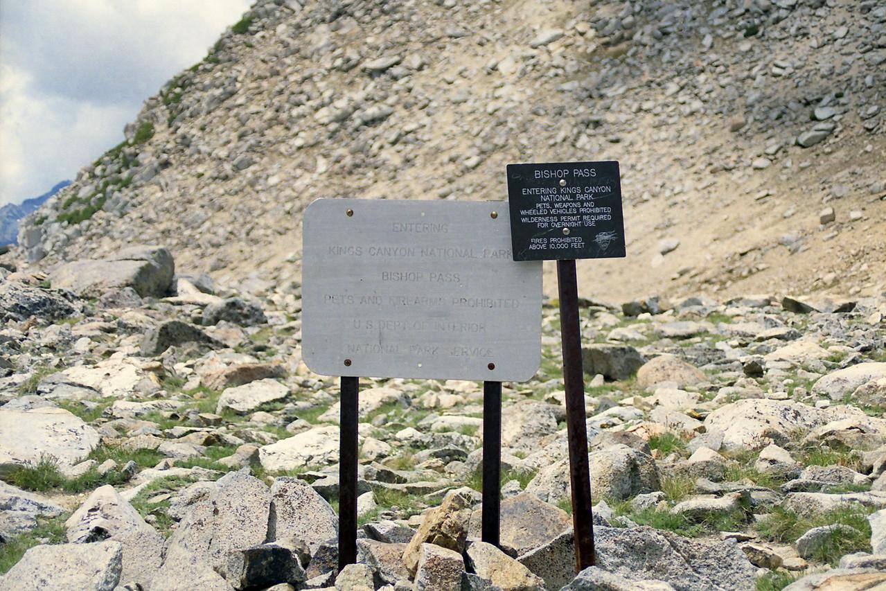 Entering Kings Canyon via Bishop Pass