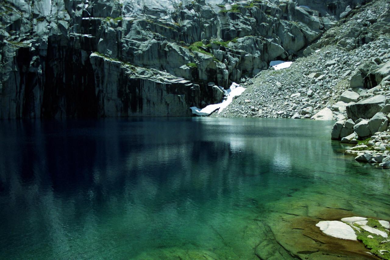 Precipice Lake looking SW