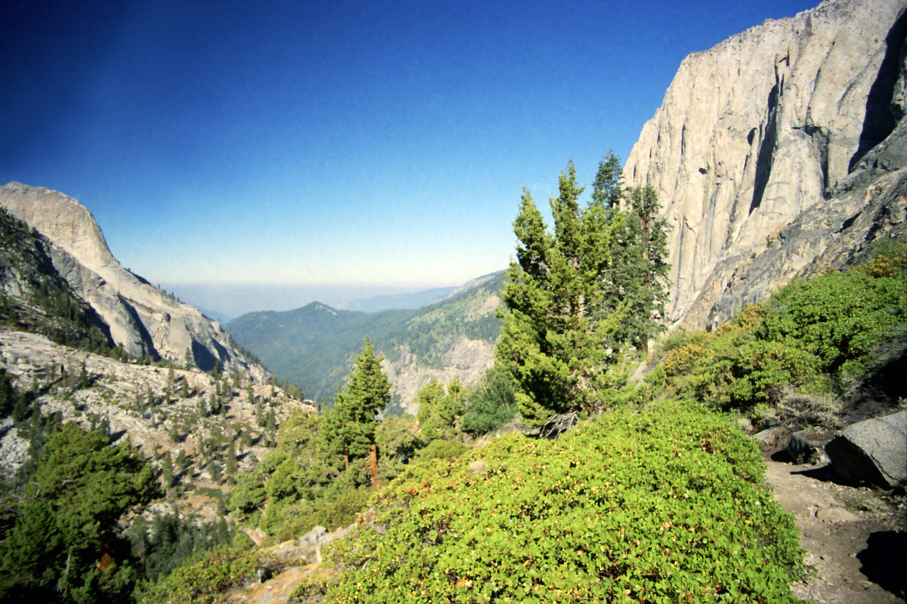 Looking down & NW towards the Hamilton Valley from the High Sierra Trail just bellow the Tunnel Section