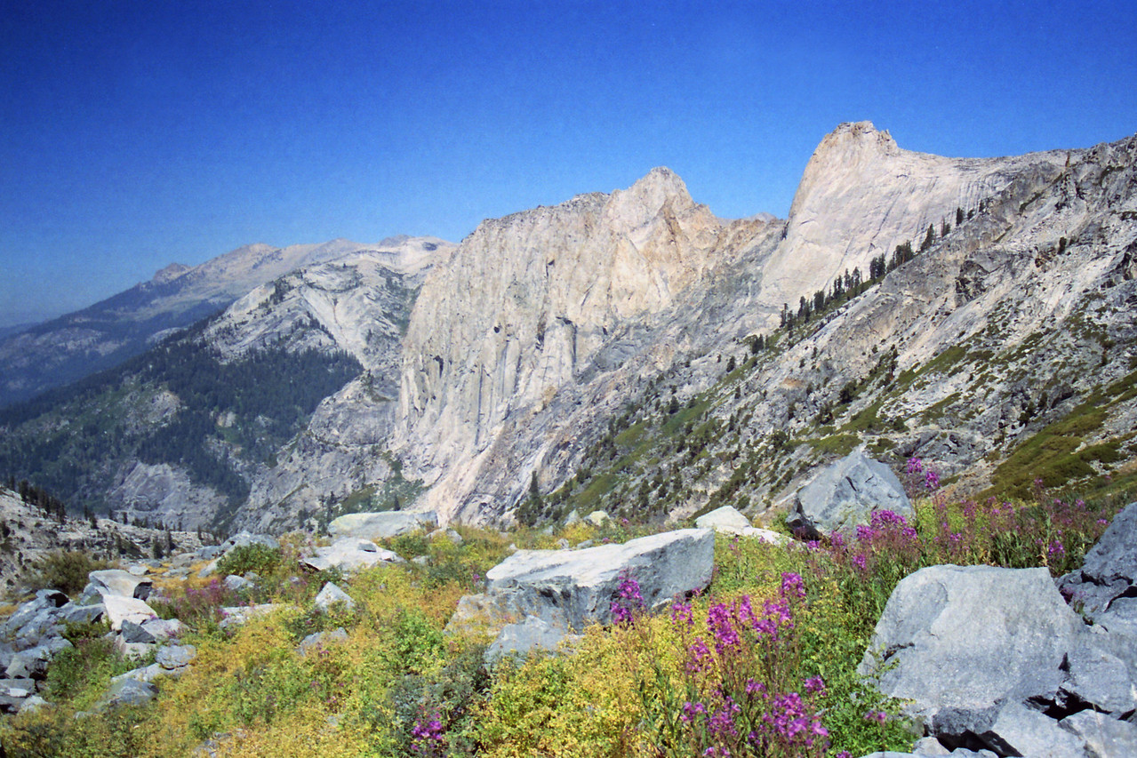Looking down towards Angel Wings from the High Sierra Trail above the Tunnel Section