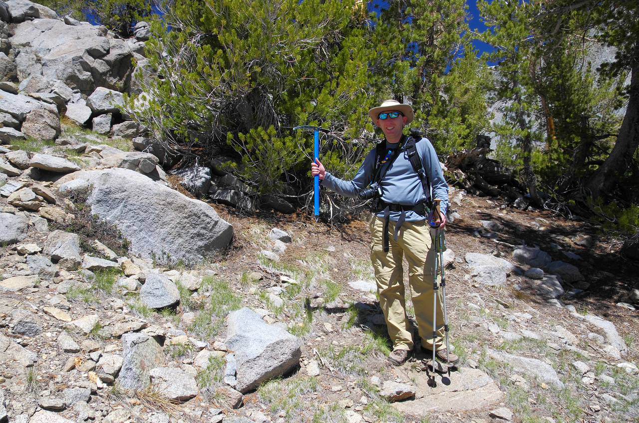 One man's loss is another man's treasure.  Ben scores his first ice axe--FOR FREE!