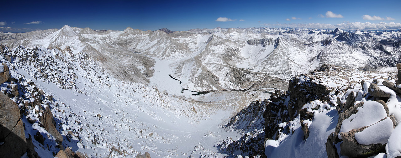 Panoramic Wide-version, overlooking Lake Italy from atop of Mt Hilgard.