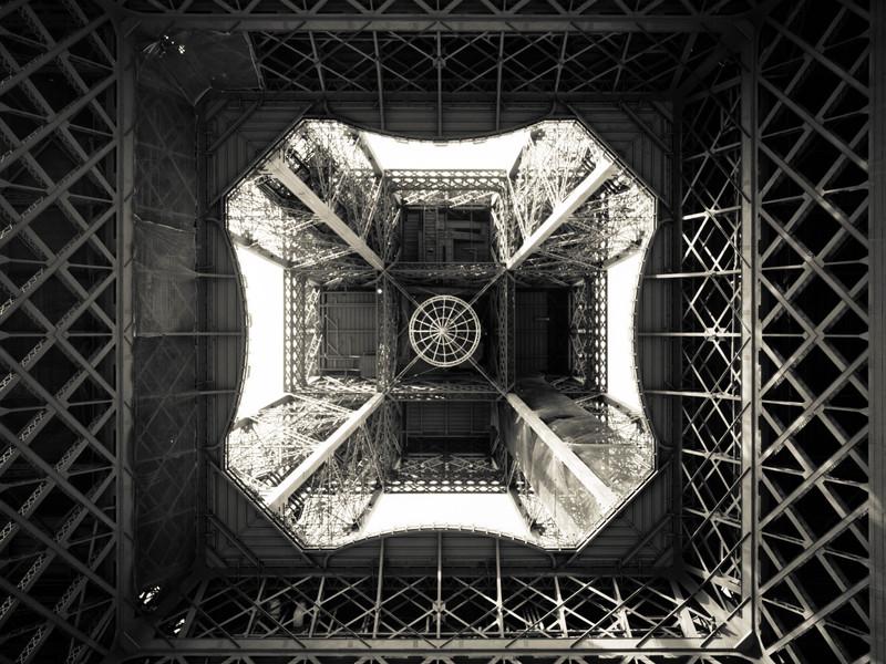 Eiffel Under
