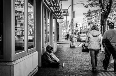 Beggar, Davis Sq