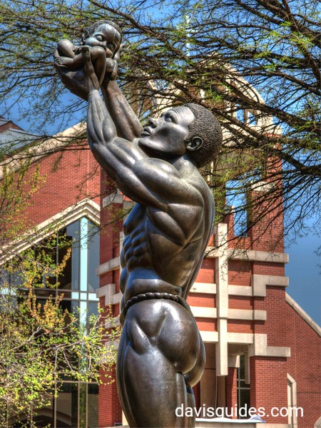 Behold! statue at Martin Luther King, Jr. National Historic Site Visitor Center