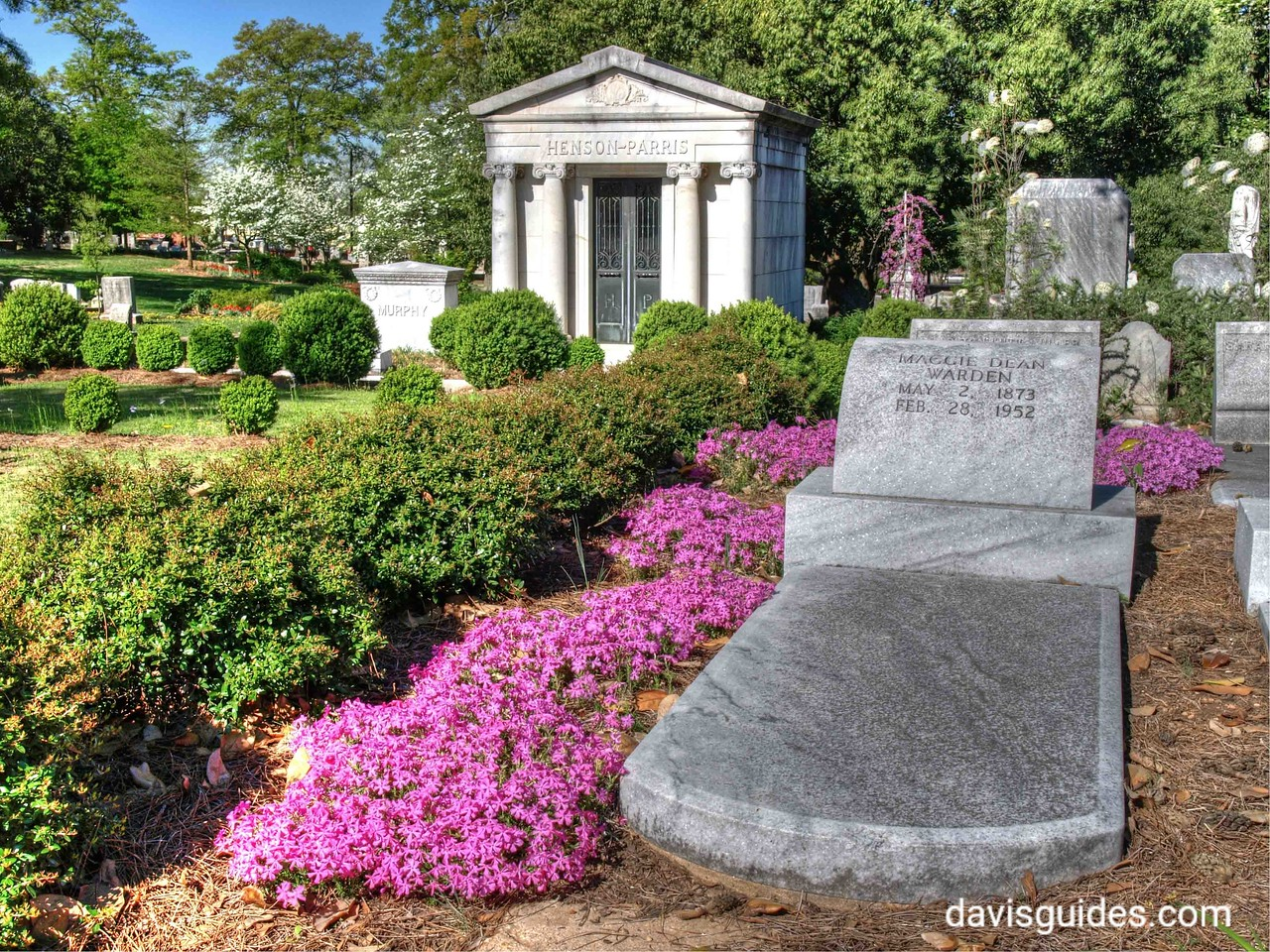 spring color at Oakland Cemetery
