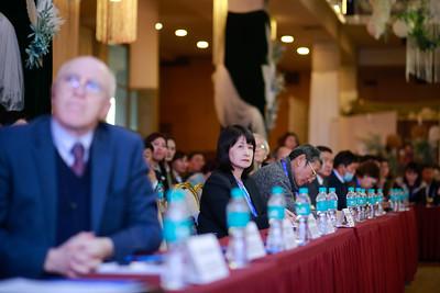 """2020 оны арваннэгдүгээр сарын 02. УИХ-ын гишүүн Ц.Мөнхцэцэг, Ч.Ундрам, Х.Ганхуяг, Г.Амартүвшин, Г.Дамдинням нарын хамтран зохион байгуулж буй """"Үндэсний ерөнхий боловсролын тогтолцоог олон улсын түвшинд хүргэх нь"""" хэлэлцүүлэг боллоо. ГЭРЭЛ ЗУРГИЙГ Г.ӨНӨБОЛД/МРА"""