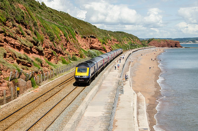 43086 leads 43186 on the 1C81 12:06 Paddington to Penzance 'The Royal Duchy' as it approaches Dawlish