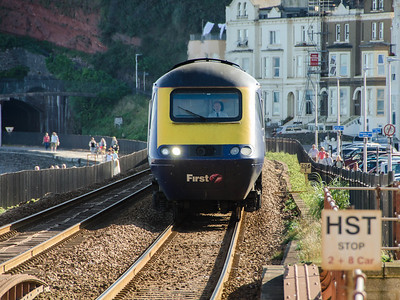 43182 arrives at Dawlish with the 1A92 17:00 Paignton to Paddington and my train home