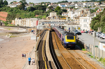 43183 leads with GWR green liveried 43194 on the rear as the 1A15 09:18 Paignton to Paddington via Bristol departs Dawlish