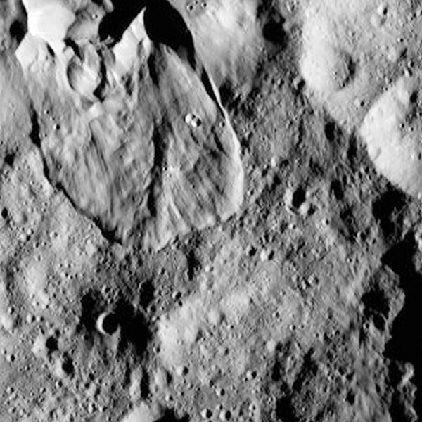 HO-4 image of the peculiar flowage (slump) seen in SO-24