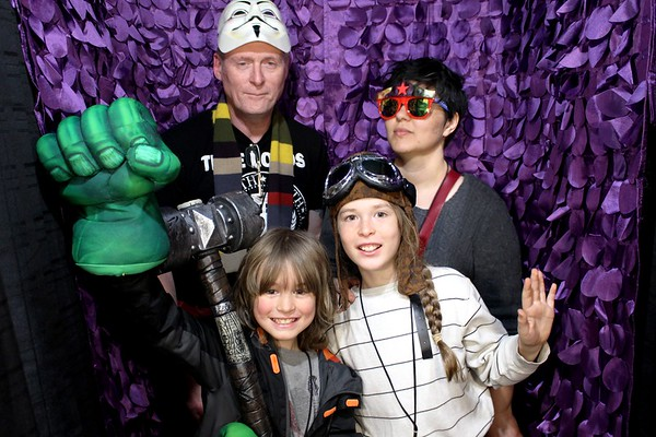 Planet Comicon. Crazy Photo Booth Rentals In Kansas City.  https://thelookingglassphotobooths.com/
