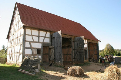 The barn on the German Farm originally stood in the village of Hördt as part of a community of farmhouses and barns.