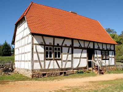 The peasant farmhouse on the German Farm dates back to 1688; it was one of the oldest surviving houses in Hördt.