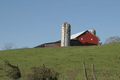 The rural road to Natural Chimneys State Park is lined with many farms like this one.