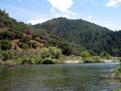 The mighty American River. That nearby peak might be Summit Hill (2168'). We're at about 640'.