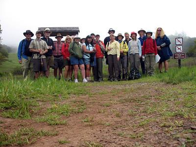 Pre-hike group photo. From left: Sacto Frank, Jason, Jeffrey, Don, Ramona, Karen Wannabp, Melodie, Jerry, Maria, Alameda Frank, Sacto Karen, Ray, Susan, Marcy, Mary, Jean, Gail, Heide, Bree.