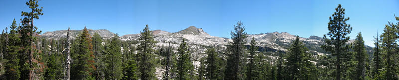 Crystal Range Panorama. You can see the basin containing Twin Lakes and Island Lake, and Mount Price.