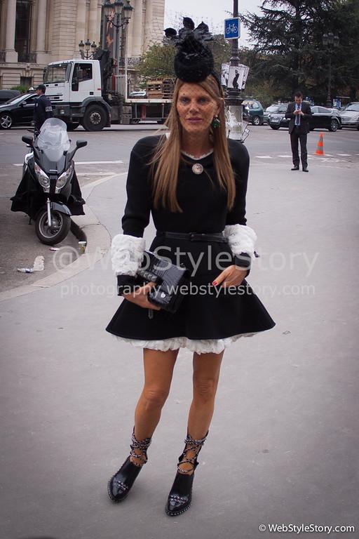 AnnaDelloRusso pendant Paris Fashion Week, avant le défilé Chanel