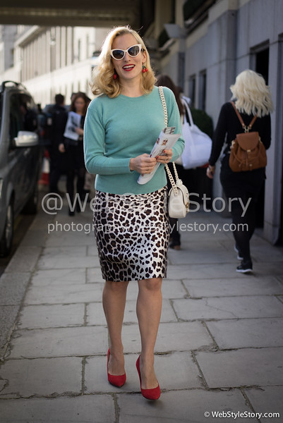 La créatrice Dellal (Charlotte Olympia) à la sortie du défilé Alice Temperley.  http://www.puretrend.com/people/charlotte-dellal_p2972 http://instagram.com/charlotte_olympia
