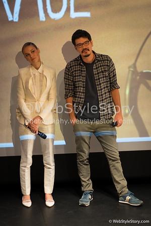 """L'actrice Brie Larson et le réalisateur Destin Cretton écoutant attentivement la question de l'un des spectateurs invités par AlloCiné, après la projection  en avant-première du film """"States of Grace"""". http://www.allocine.fr/film/fichefilm_gen_cfilm=221967.html"""