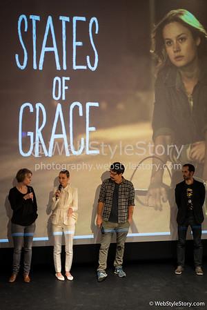 """L'actrice Brie Larson et le réalisateur Destin Cretton répondant aux questions des spectateurs invités par AlloCiné, après la projection  en avant-première du film """"States of Grace"""". A gauche : l'interprète français-anglais. A  droite : le maître de cérémonie. http://www.allocine.fr/film/fichefilm_gen_cfilm=221967.html"""