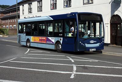Metrobus 6728-GN07 AVV at Dorking Railway Station.