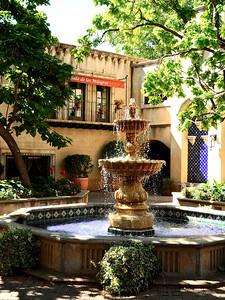 Tlaquepaque central fountain