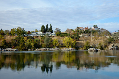 Homes overlooking Lake Natoma