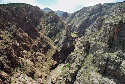 The narrow, twisting canyon