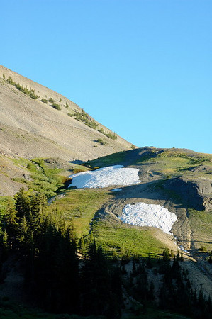 Snow on the slopes of Hiram Peak