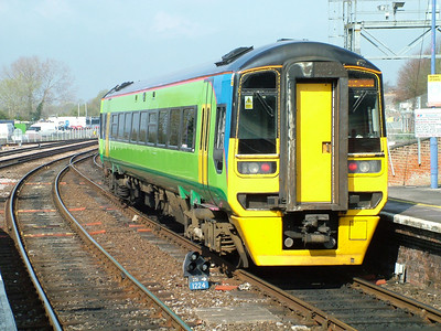Newly arrived (and sadly unidentified) class 158 at Salisbury, 15th April 2005