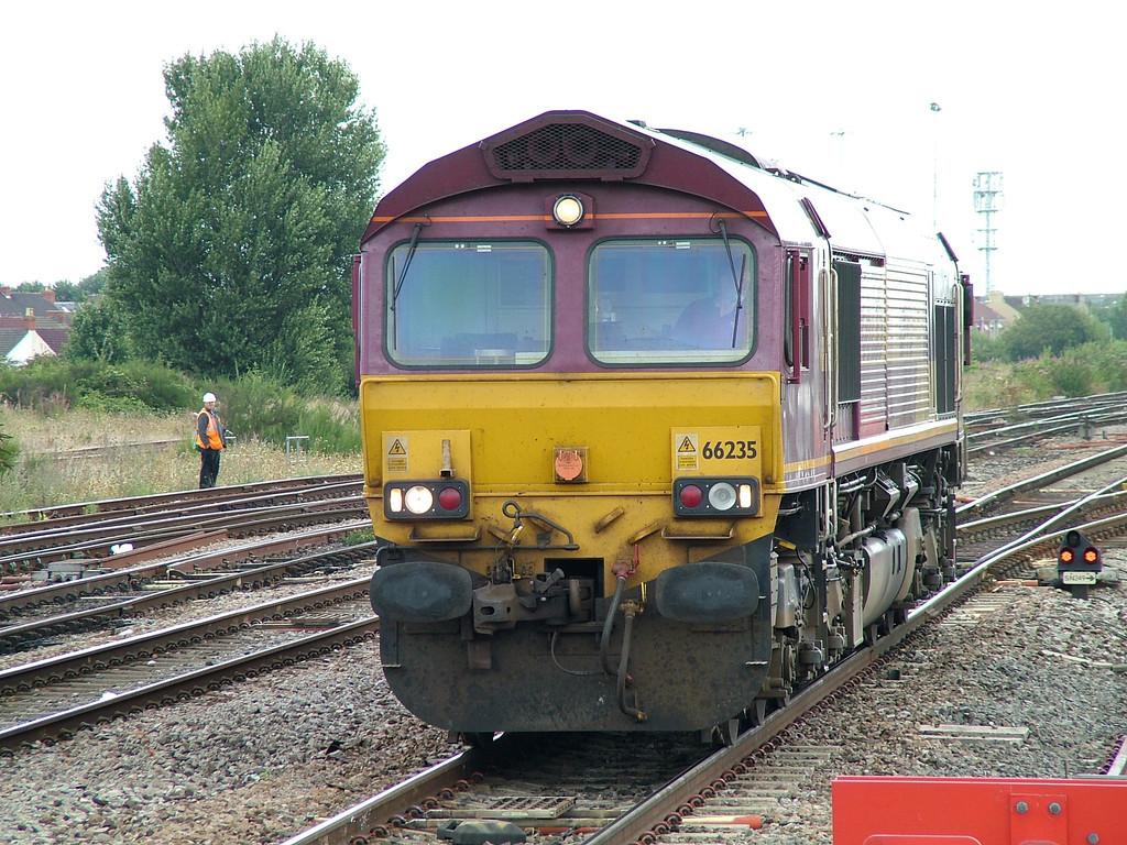 66235_Swindon_260805
