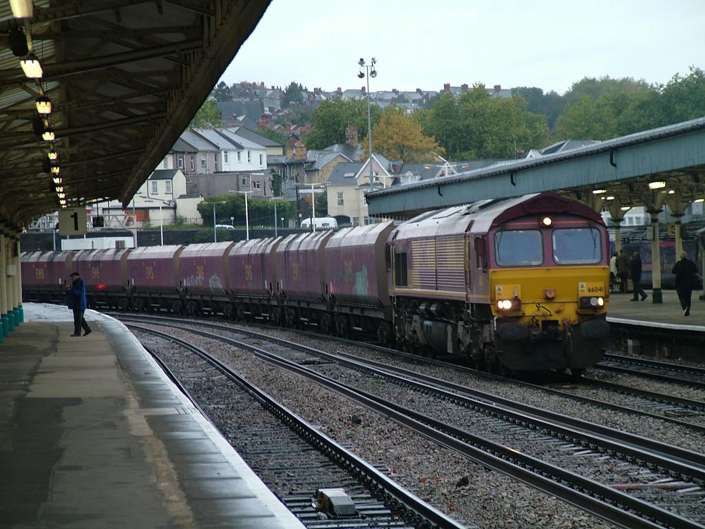 66041_Newport_251006a_ews_class 660