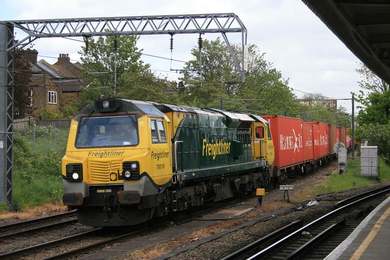 70018_freightliner_WillesdenJcn_05052015 (9)