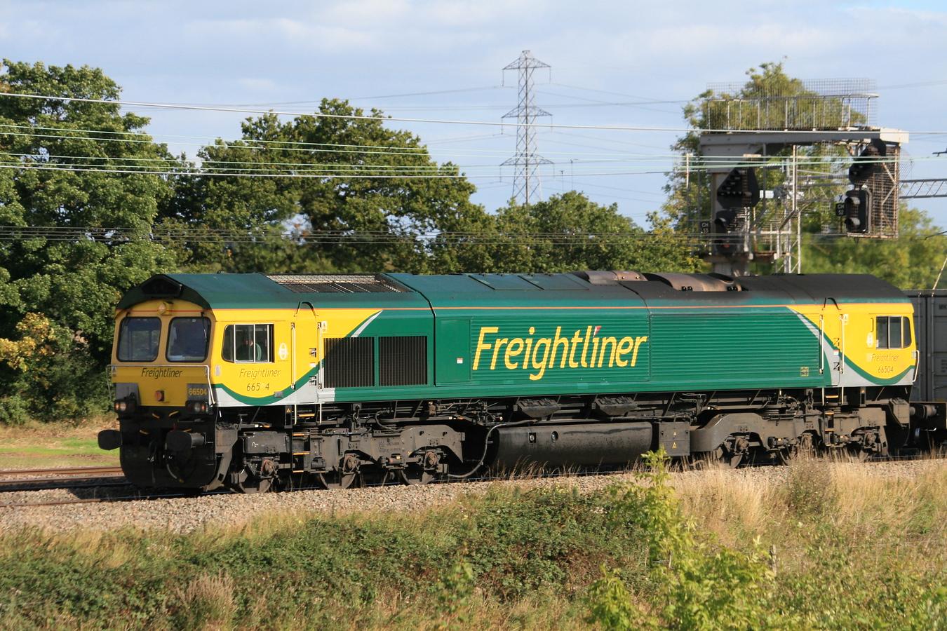 66504_RugeleyTV_25092015 (13)_Freightliner