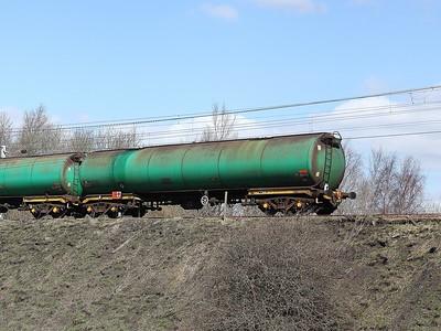 2015-04-16 - 6S36 Dalston to Grangemouth tanks