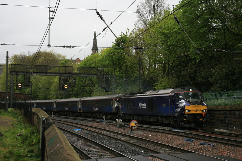 68007_DRS_Scotrail_EdinburghPrincesStGar