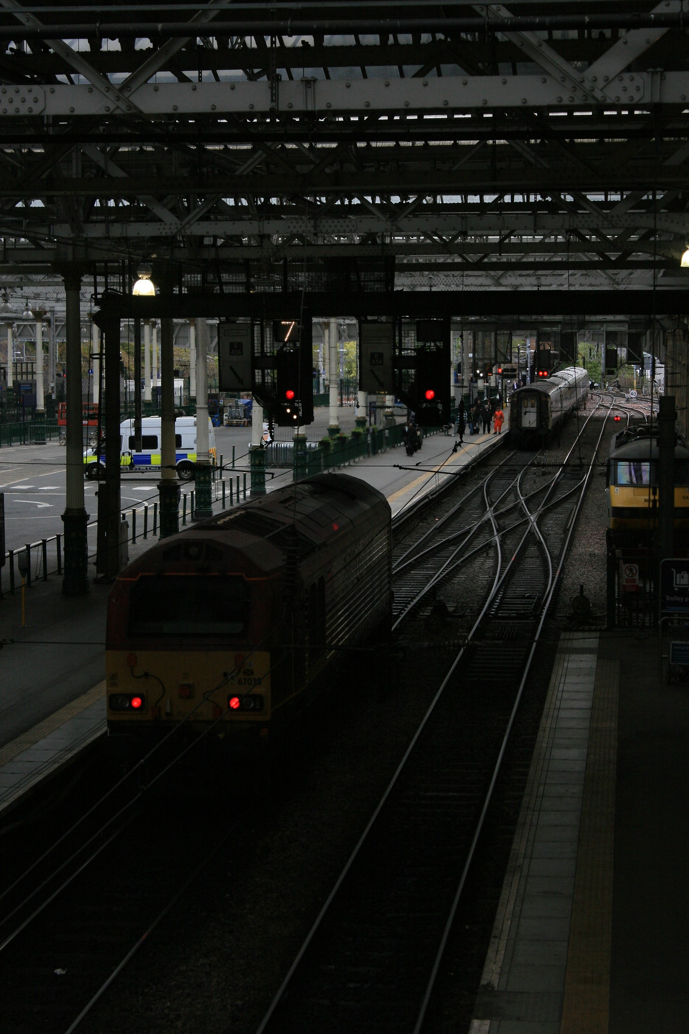 67030_DBS_CaledonianSleeper_EdinburghWaverley_18052016 (5)