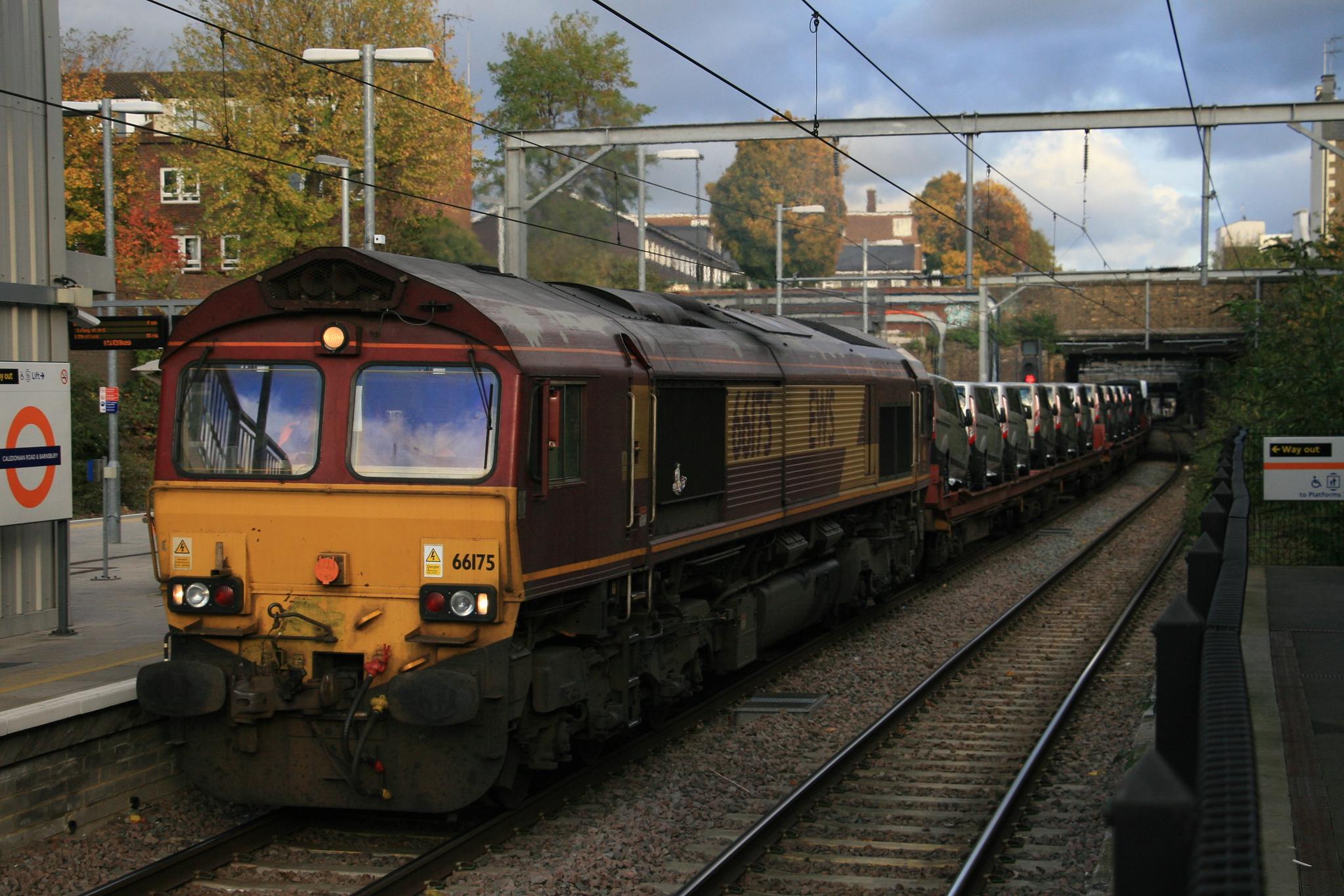 66175_6X44_DBS_CaledonianRoadAndBarnsbury_07112016 (29)
